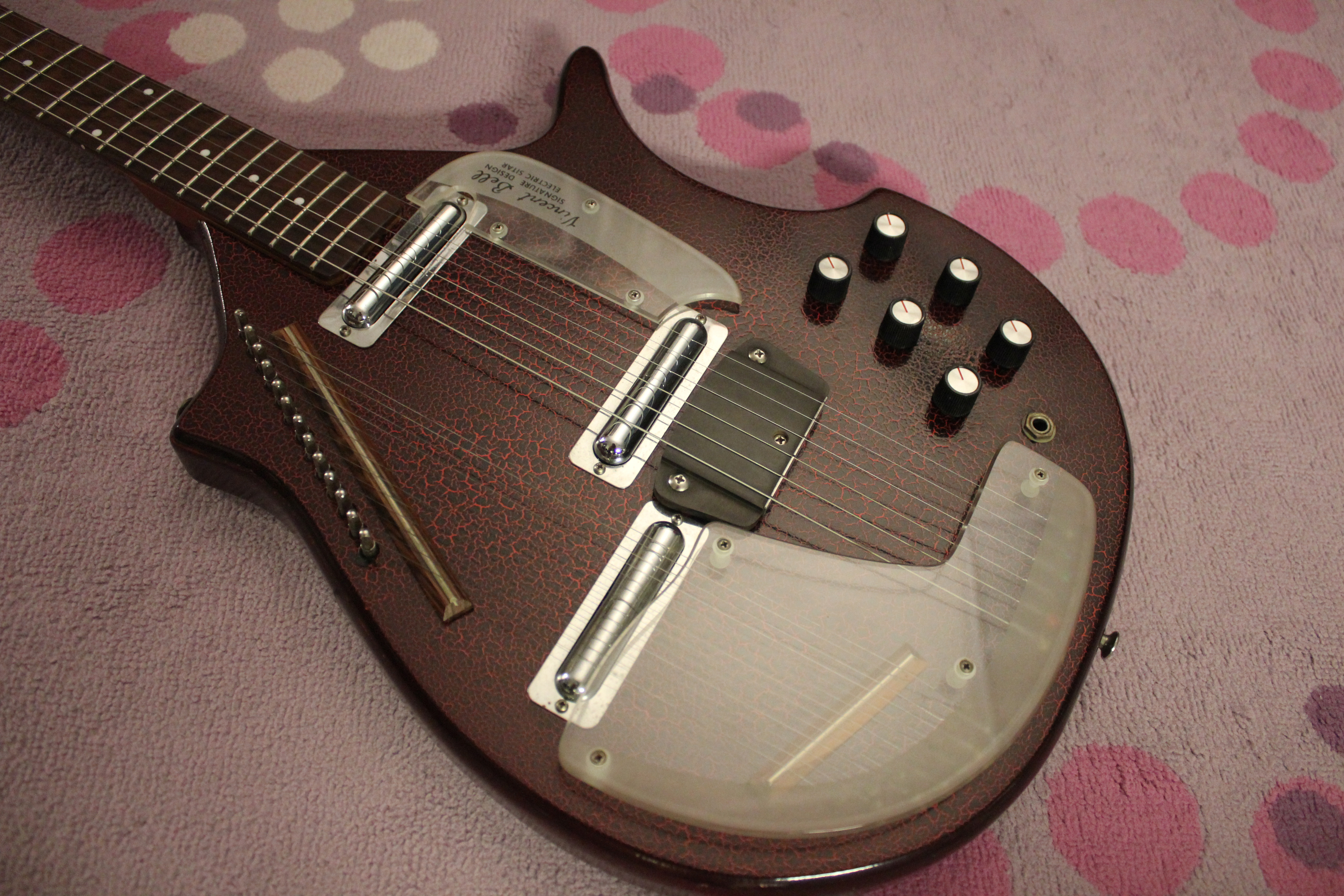 for today s in sound 1967 coral danelectro electric sitar model 3s18 drowning in guitars. Black Bedroom Furniture Sets. Home Design Ideas
