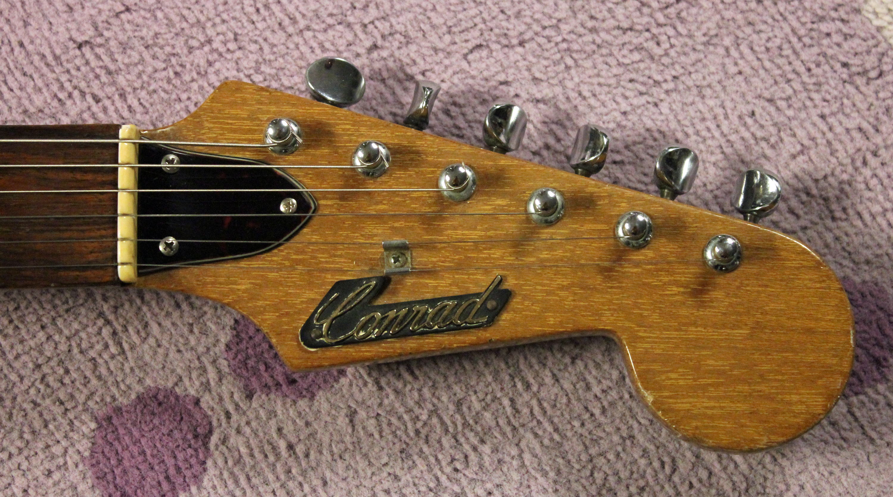 """Fully Engineered!"""" – 1966 Conrad Bison Four Pickup 1233 Guitar ..."""