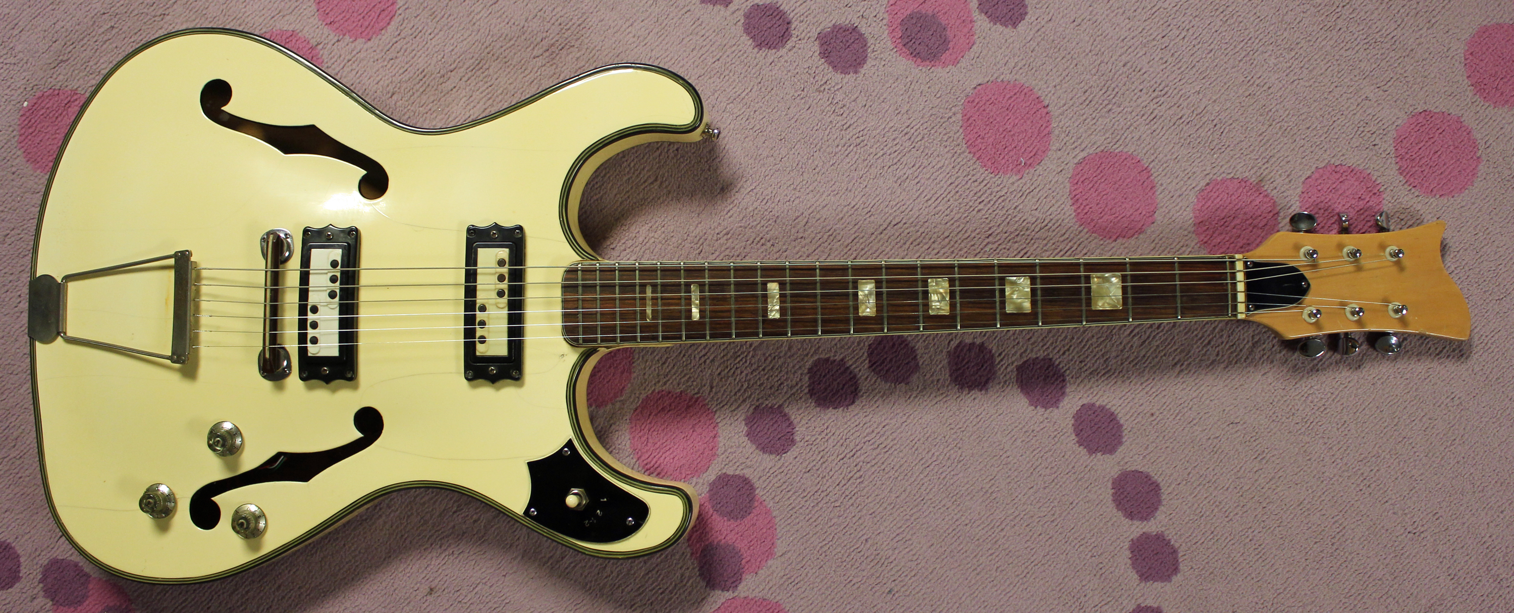 the white knight 1967 fandel s2 c japanese guitar firstman liberty drowning in guitars. Black Bedroom Furniture Sets. Home Design Ideas