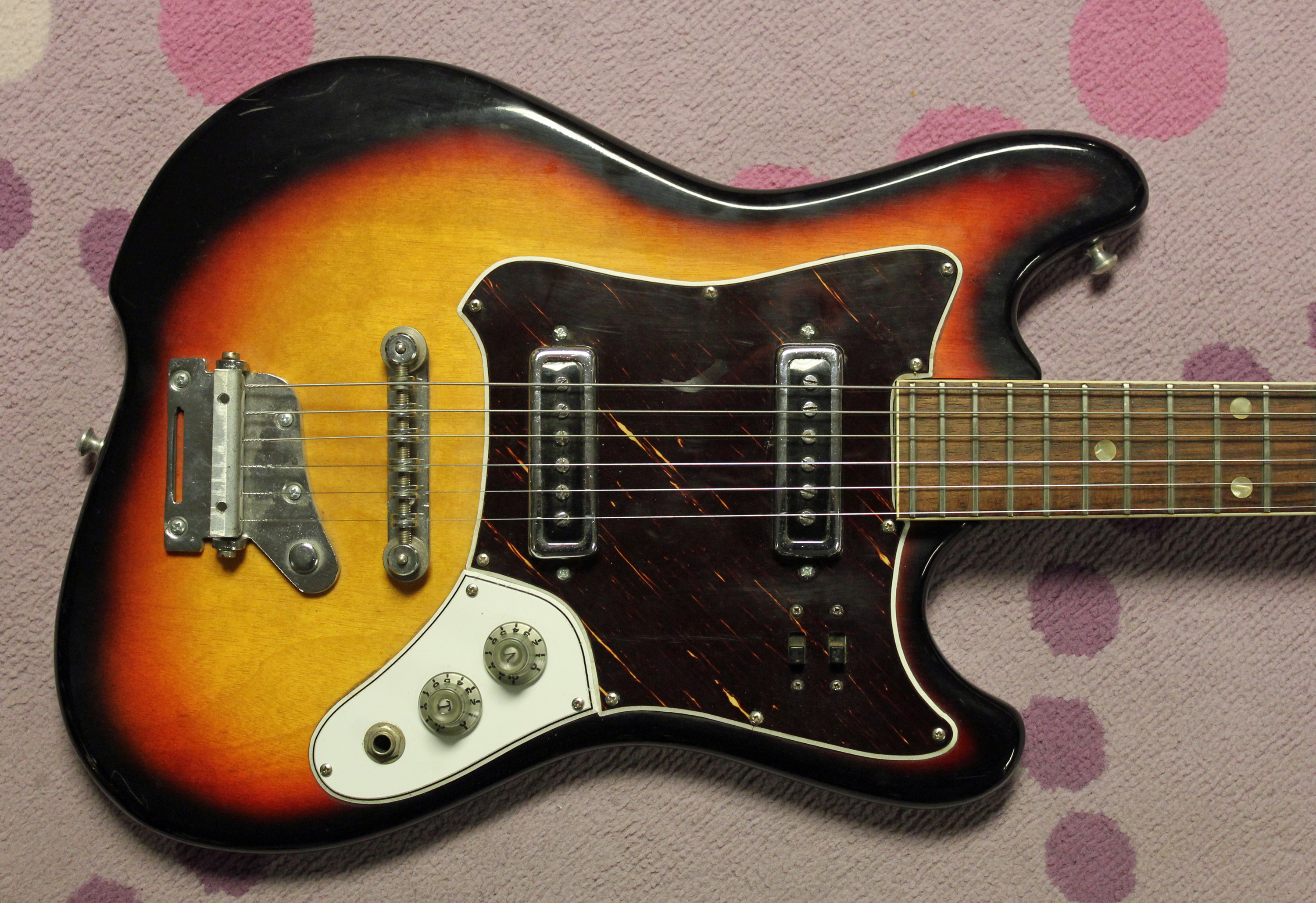 The Record Connection – 1966 Decca Electric Guitar