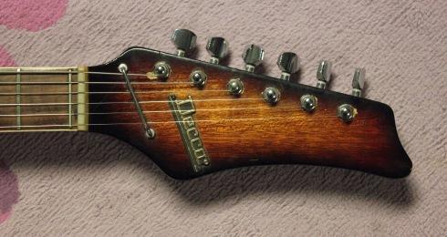 Decca Guitar 3